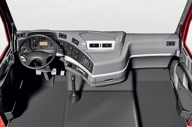 Магистральный тягач МАЗ 5440М9 - новинка для европейских дорог - обзор салона